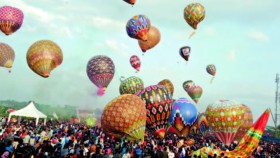 Meriahnya 'Java Balloon Festival Wonosobo 2018'