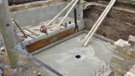 Tips menggunakan jasa tukang untuk membangun kolam koi