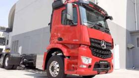 Dua truk anyar Mercedes Benz