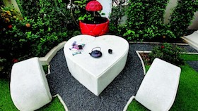 Hadirkan romantisme di taman