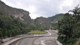 Meniti janjang kota Gadang, menikmati Ngarai Sianok