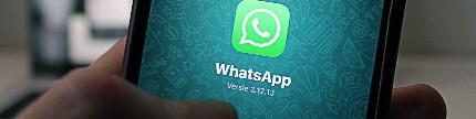 WhatsApp. Kecanduan memakai WhatsApp bisa mengganggu kesehatan