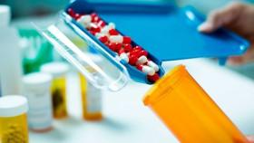 "Kelakuan nakal tak masuk akal ragam cerita tentang ""Oknum"" farmasi"