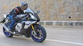 Test ride Yamaha YZF-R1M, main di ibu kota