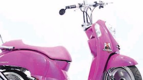 Honda Scoopy 2013, pink hot rod!