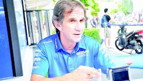 Kunjungan ke team Suzuki Ecstar, manager tim yang blak-blakan