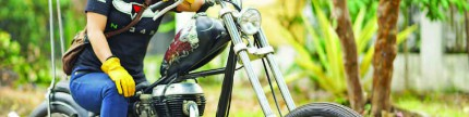 Royal Enfield Bullet 350, vintage tapi tetap girly