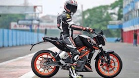 KTM Duke 250, Yamaha MT-25, Kawasaki Z250, Kawasaki Z250SL pertarungan naked