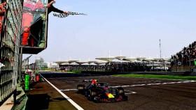 F1 putaran 3, Cina, banteng merah judi pit stop