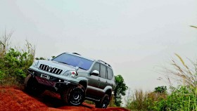 Toyota Land Cruiser Prado TX 2003, siap off-road