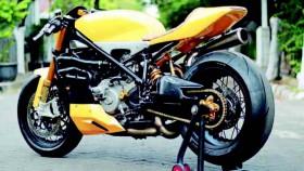 Ducati 848 Evo 2010, cafe racer dari superbike