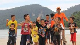 1.000 paket Superqurban untuk warga Pulau Betok, Kalimantan Barat