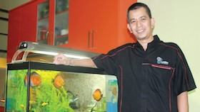 Syahlendra, pemilik lauklen Indonesia, hadirkan ruangan alami dengan ikan hias