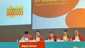 Indosat merambat Telkomsel melesat