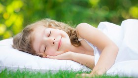 Tidur cukup bagi Anak, pentingkah?