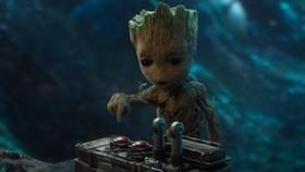 Baby Groot, kuat, ceria, dan aktif